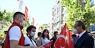 """Vali Yavuz: 'Bayrak Şuurunu Dimdik Ayakta Tutmalıyız"""""""