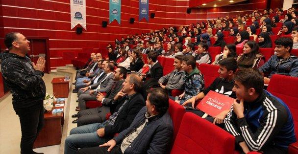 Ünlü Yapımcı  Gebze'de gençlerle buluştu