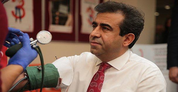 Vali Güzeloğlu, kan bağışında bulundu