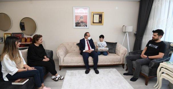 Vali Yavuz; Ramazan Bayramı'nda Şehit Yakınları ve Gazilerimizi Unutmadı