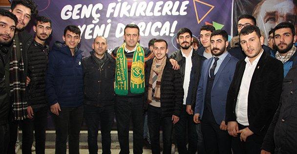 Yakup Törk 'Gençlik Buluşması'na katıldı