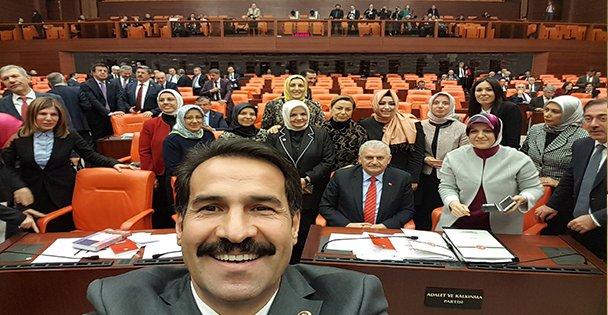 Yaman'ın oylama sevinci!