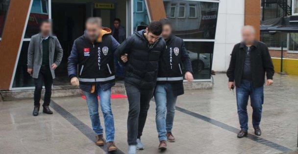 Yurt dışına kaçarken yakalandılar